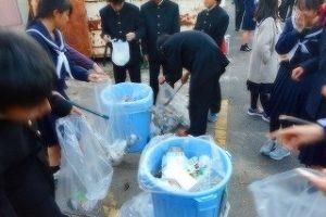 清掃活動の様子 (2)