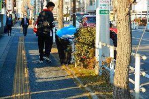 道路での清掃活動