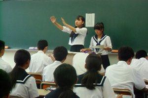 懇談会の様子 (4)
